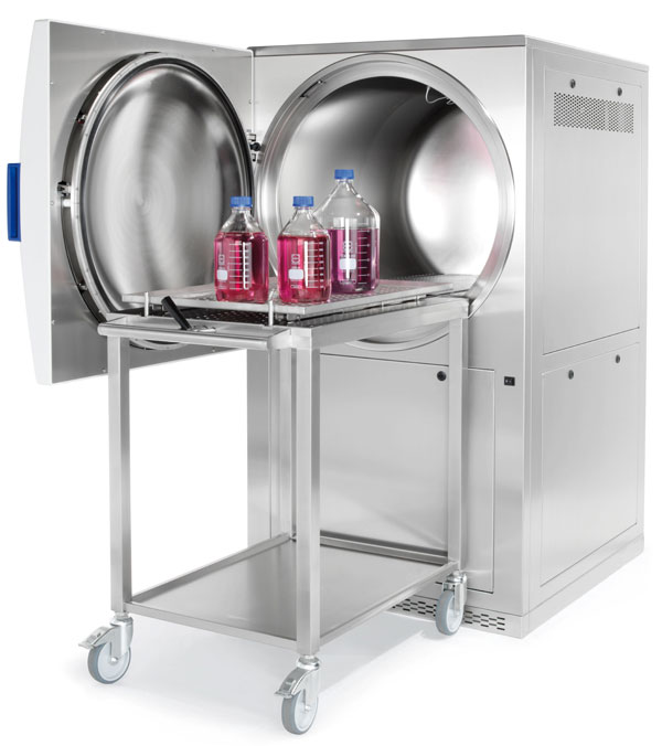 Large autoclave with trolley